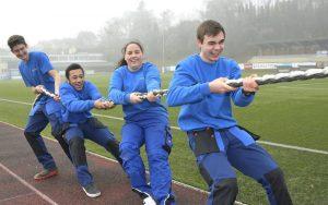 Teambuildingwettbewerb Seil ziehen